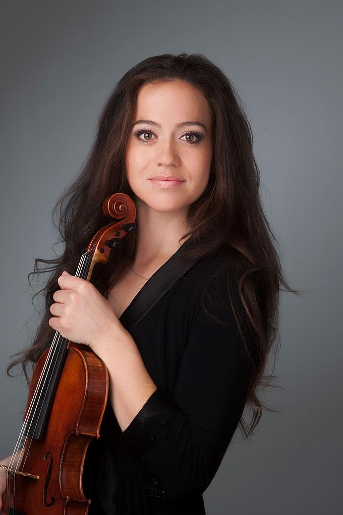 Lauren Roth